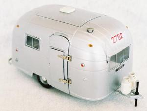 A very cute scale model of an airstream (source: https://www.rvartgallery.com/store/detail/203#)